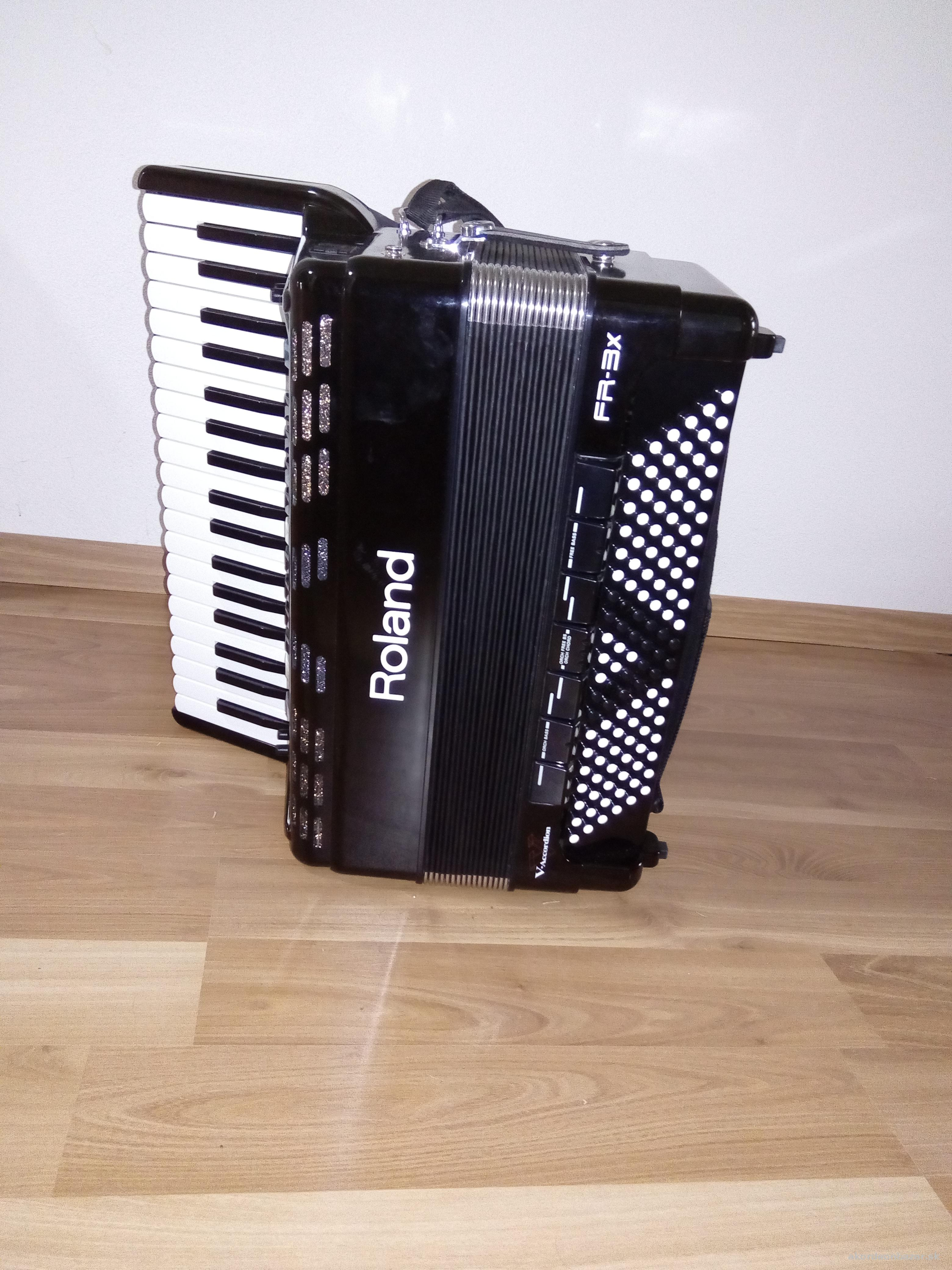 FR 3X-BK V-Accordion, 96 bass